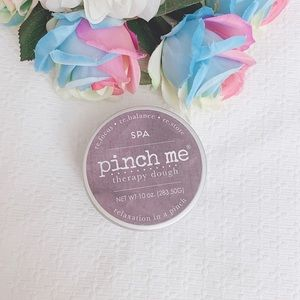 NEW Pinch me therapy dough stress relieve 10oz